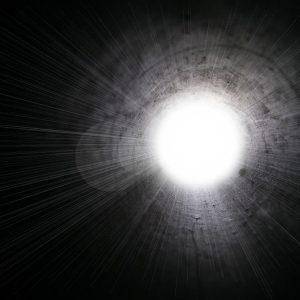 La dimension noire et la dimension de lumière