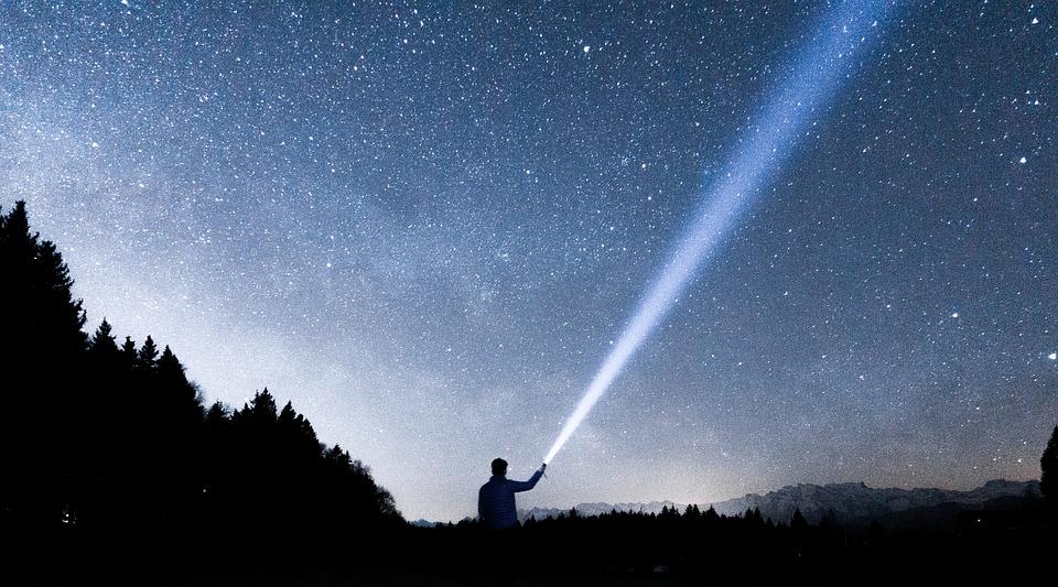 Celui qui marche sur le chemin des étoiles